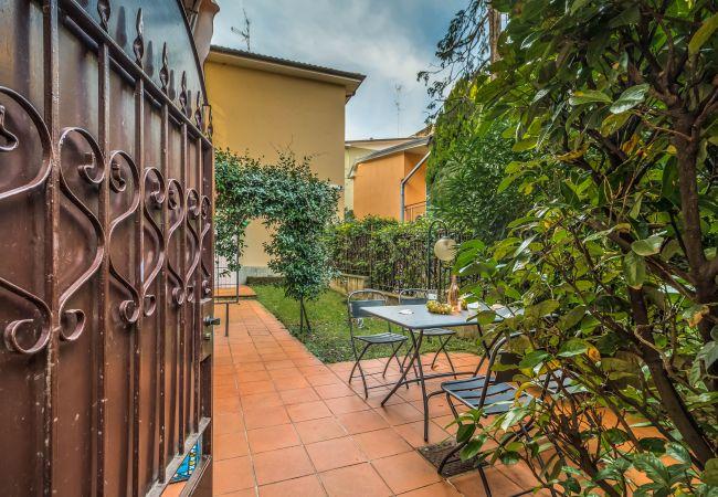 Appartamento a Desenzano del Garda - Sweet Garden ( CIR 017067-CNI-00340 )
