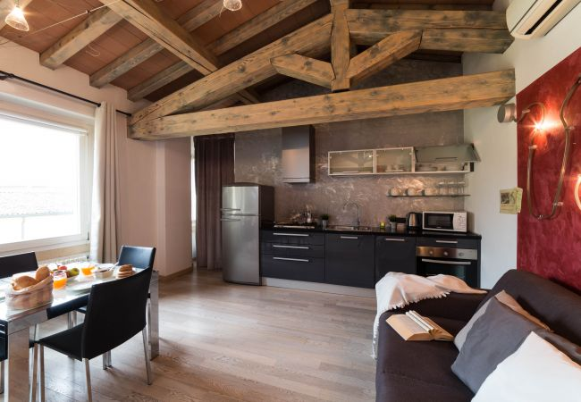 Appartamento a Desenzano del Garda - SUITE OF LAKE DESENZANO * ( CIR 017067-CIM-00341 )