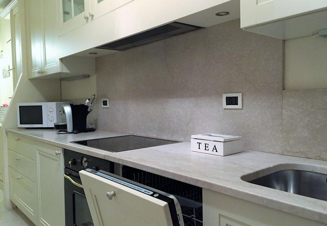 Appartamento a Sirmione -  Appartamento 5 STAR SIRMIONE con spiaggia privata *CIR 017179-CNI-00060