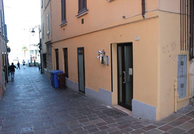 Appartamento a Desenzano del Garda - ATTICO CON VISTA MOZZAFIATO SUPERIOR *
