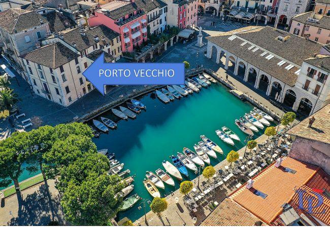 Studio a Desenzano del Garda - Desenzanoloft: APPARTAMENTO PORTO VECCHIO FRONTE DARSENA