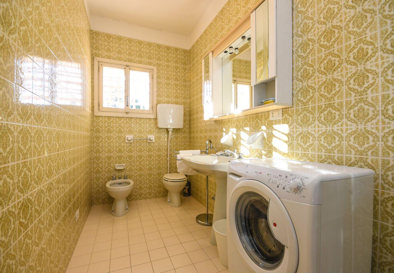 Appartamento a Sirmione - Sirmione : Appartamento Ciao Sirmione Vista Lago con parcheggio (CIR 017179-CNI-00159)