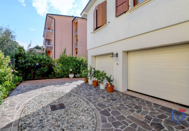 Appartamento a Desenzano del Garda - Desenzanoloft:  Garden and  Pool in Gardalake CIR 017067-CNI-00124