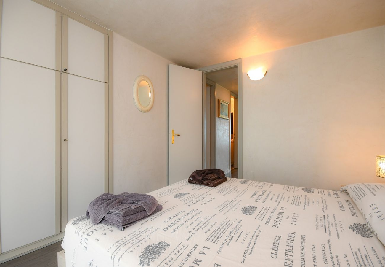 Appartamento a Manerba del Garda - Sogno del Lago: appartamento fronte spiaggia
