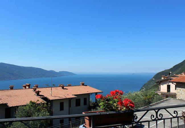 Appartamento a Tignale - Stella: con grande balcone vista lago