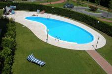 Ferienwohnung in Sirmione - APPARTAMENTO IN RESIDENCE CON PISCINA FRONTE SPIAGGIA