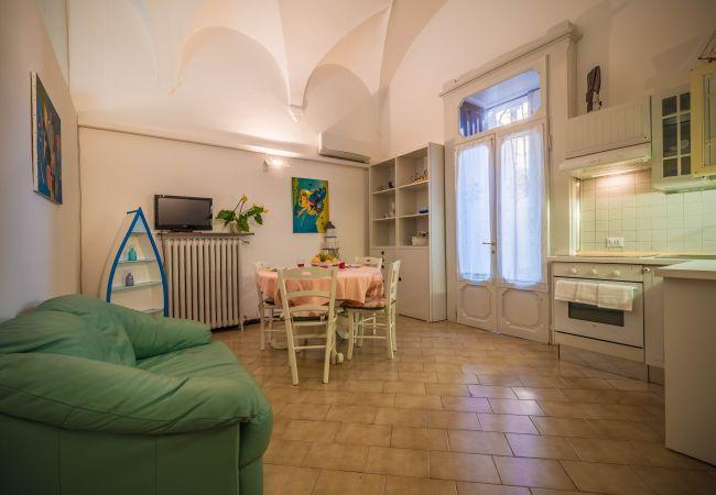 Ferienwohnung in Desenzano del Garda - Süße Garten Ferienwohnung ( CIR 017067-CNI-00340 )