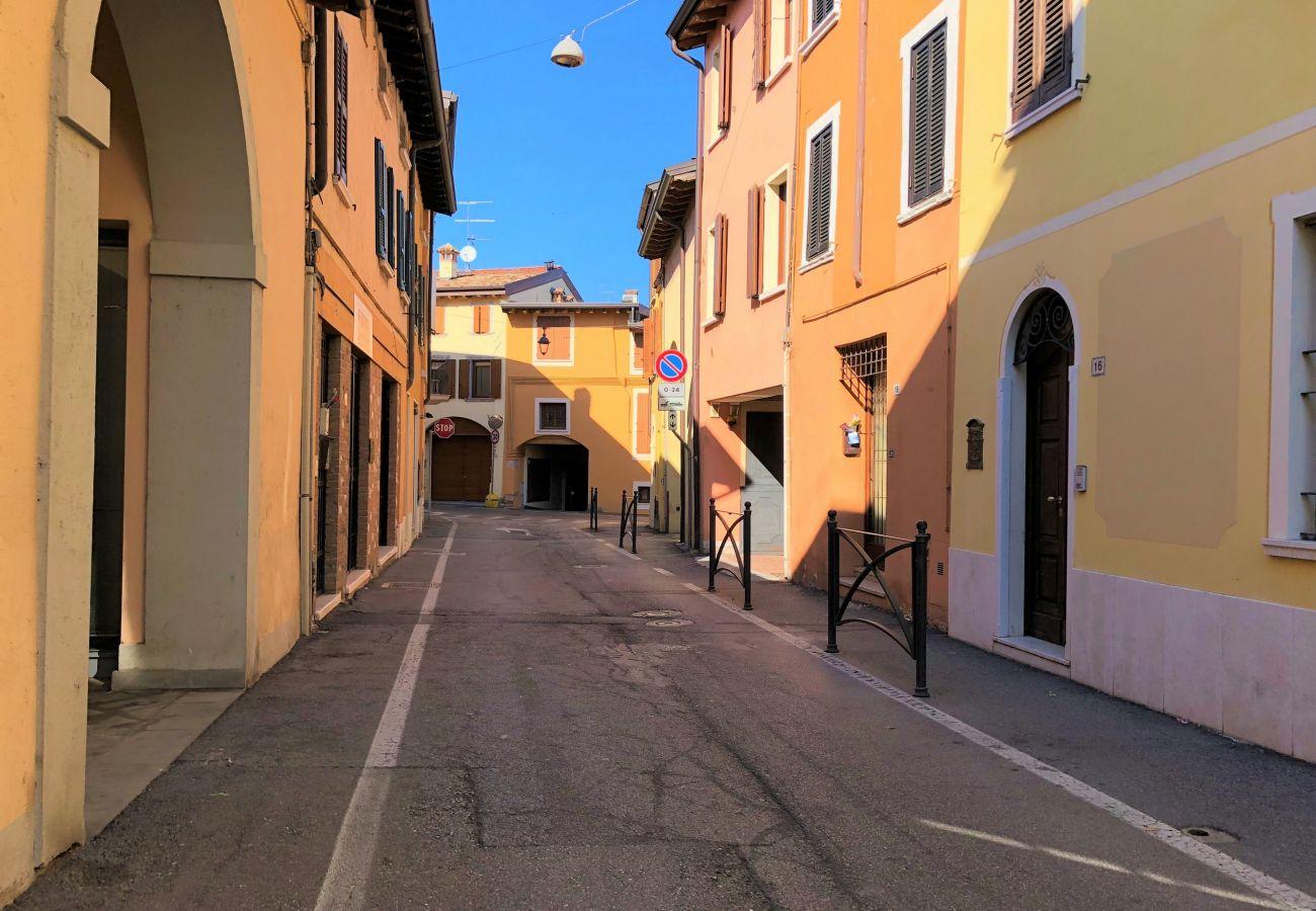 Ferienwohnung in Desenzano del Garda - Desenzanoloft: Die Hütte Ferienwohnung   CIR 017067-CIM-00340
