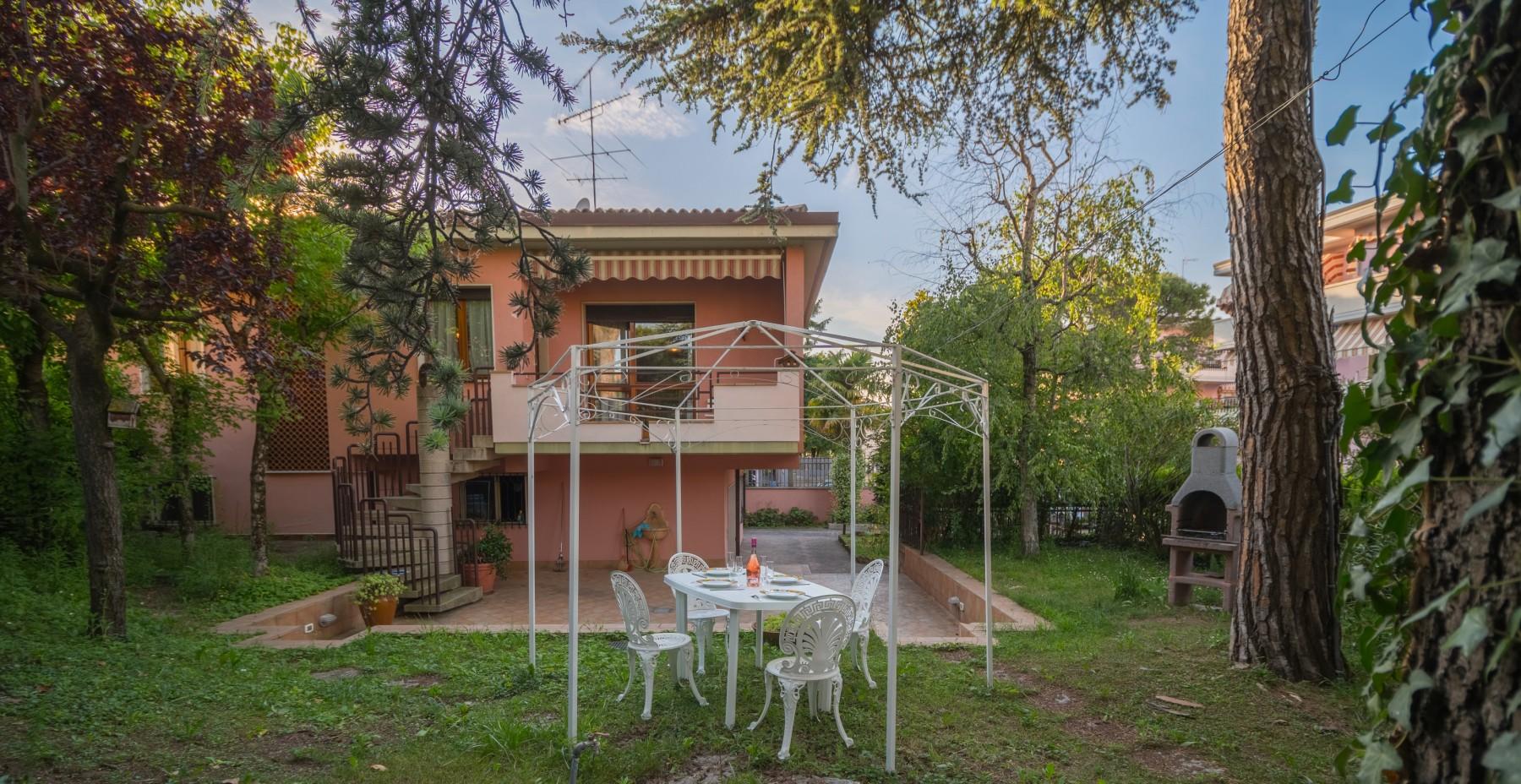 ... Villa In Desenzano Del Garda   Coco Beach Ferienhouse Mit HallenBad Und  Garten ...