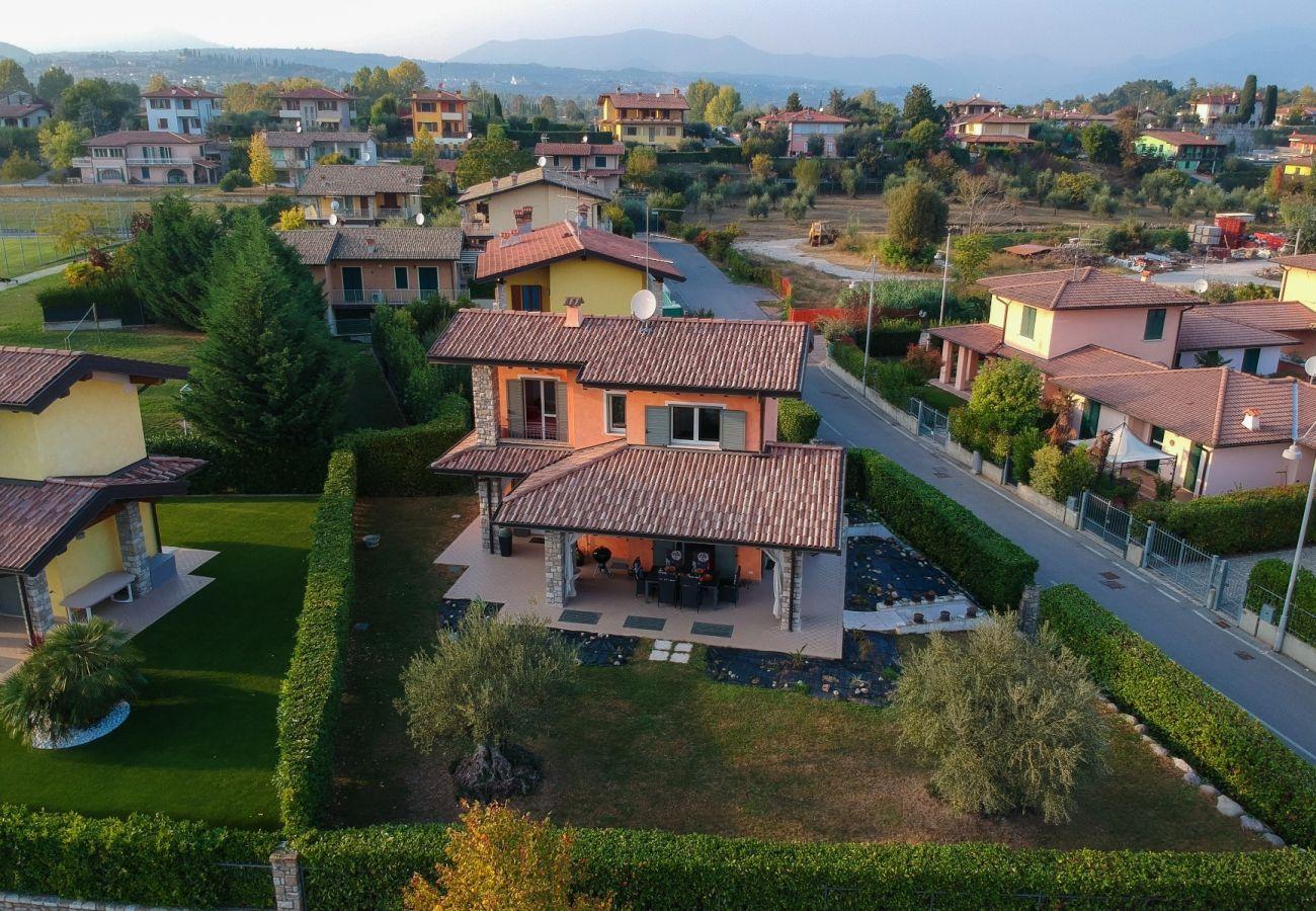 Chalet in Moniga del Garda - Orange: alleinstehende Haus mit Garten im Zentrum von Moniga del garda
