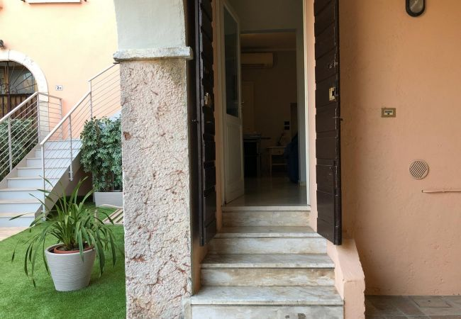 Studio in Desenzano del Garda - ST.JOOHNS CENTER DESENZANO * ( CIR 017067-CIM-00340)