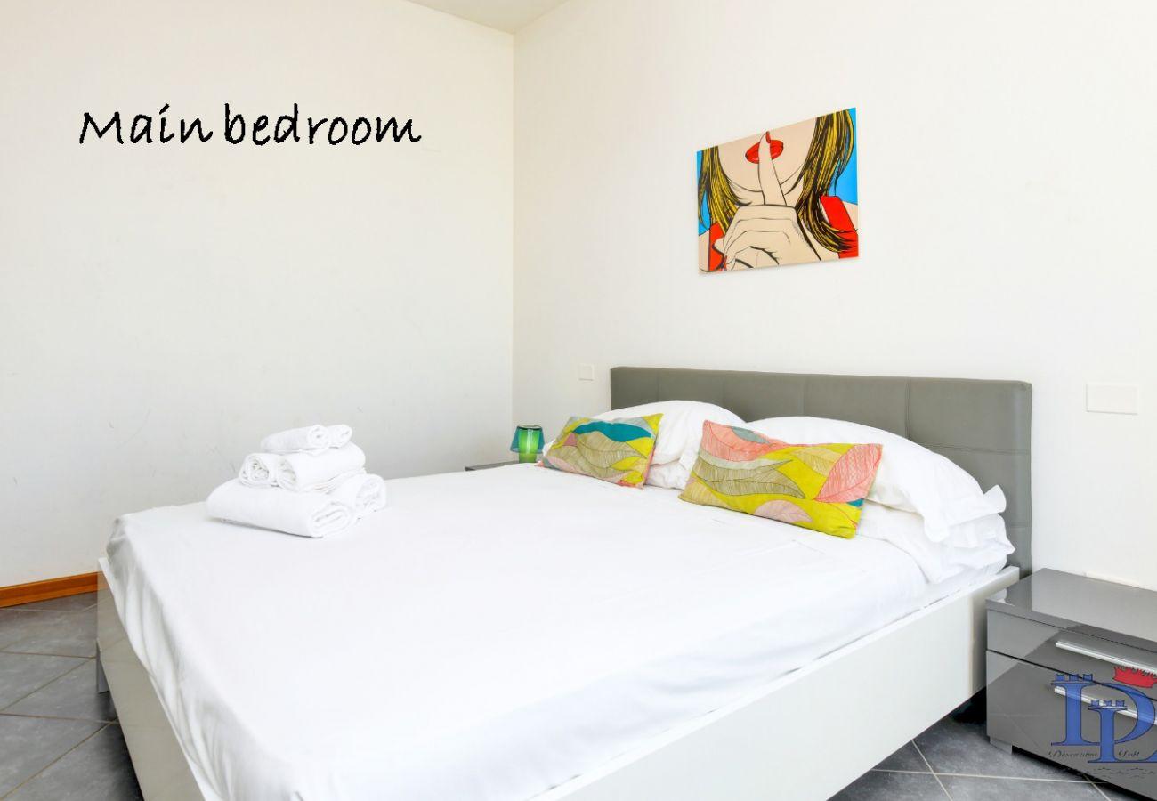 Apartment in Desenzano del Garda -  Desenzanoloft:  Garda Lucky accomodation for 10 people CIR 017067-CNI-00108