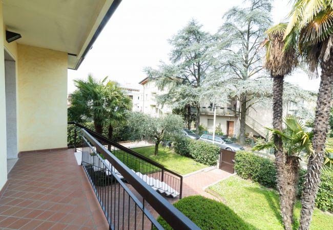 Villa in Desenzano del Garda - Desenzanoloft: PALM GARDA BEACH