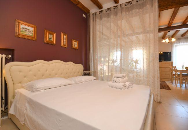 Studio in Desenzano del Garda - LA MIA FAVORITA*  ( CIR 017067-CNI-00351 )