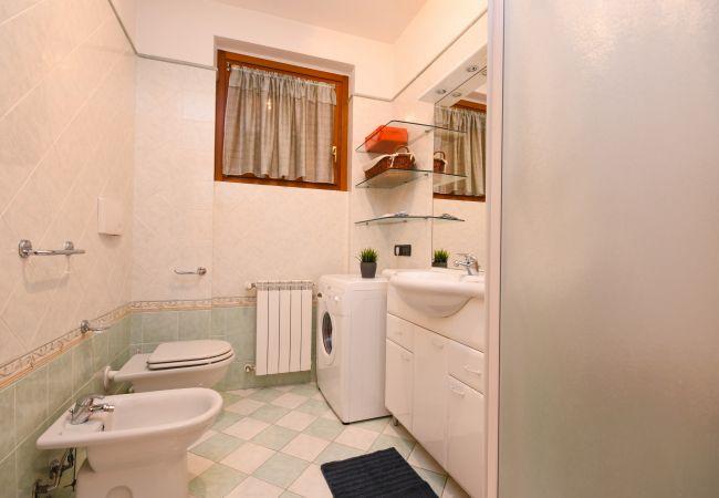 Appartamento a Sirmione - APPARTAMENTO IN RESIDENCE CON PISCINA FRONTE SPIAGGIA