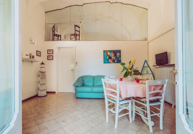 Appartamento a Desenzano del Garda - APPARTAMENTO CON GIARDINO A USO ESCLUSIVO, DESENZANO CENTRO STORICO